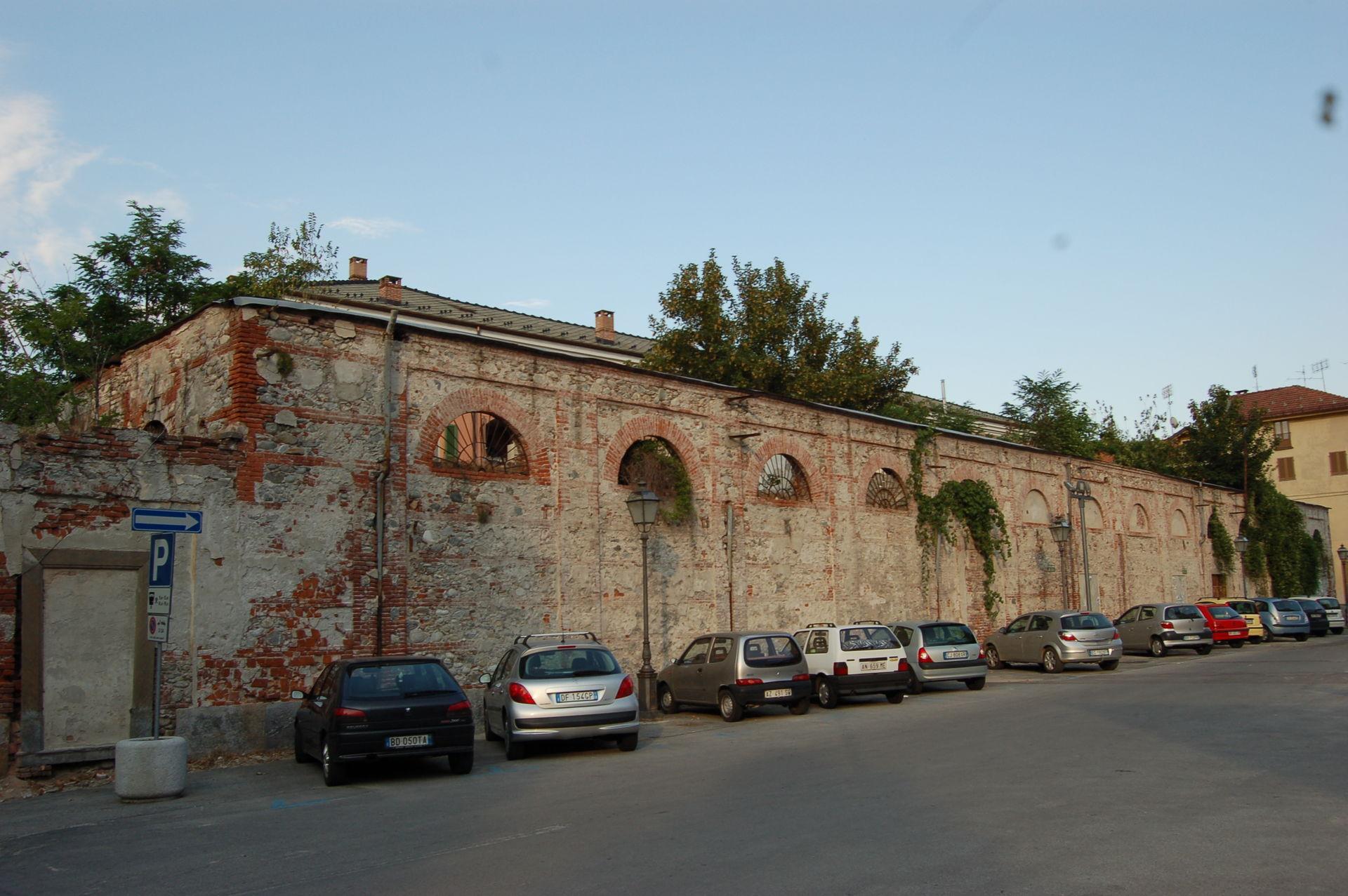 La Guida - Urban center, sala polivalente, area per gli studenti e uffici nell'ex frigorifero militare