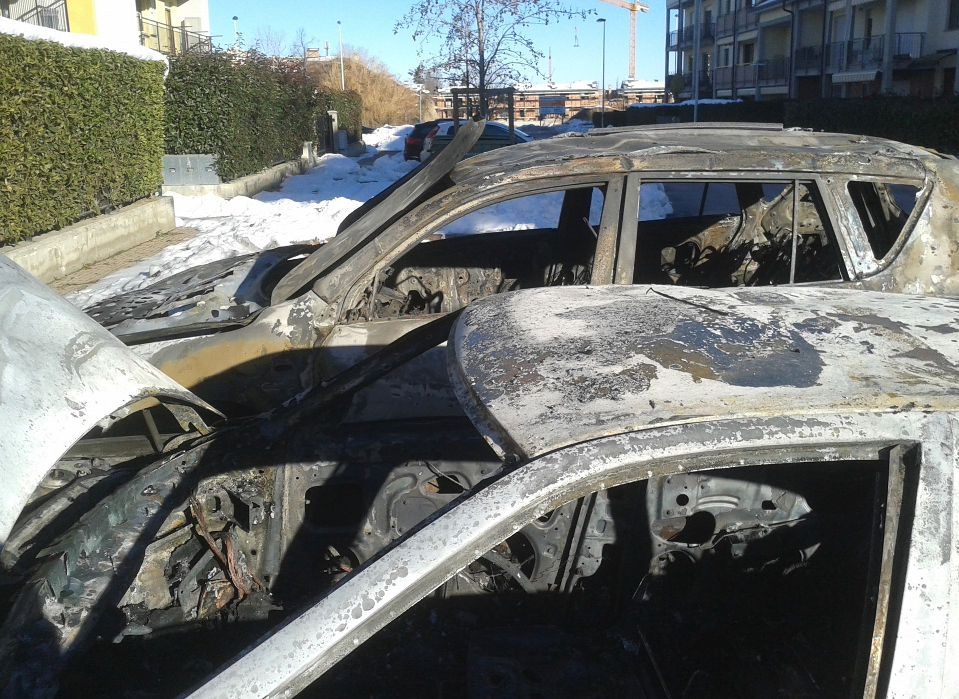 La Guida - Due auto incendiate a Borgo San Giuseppe