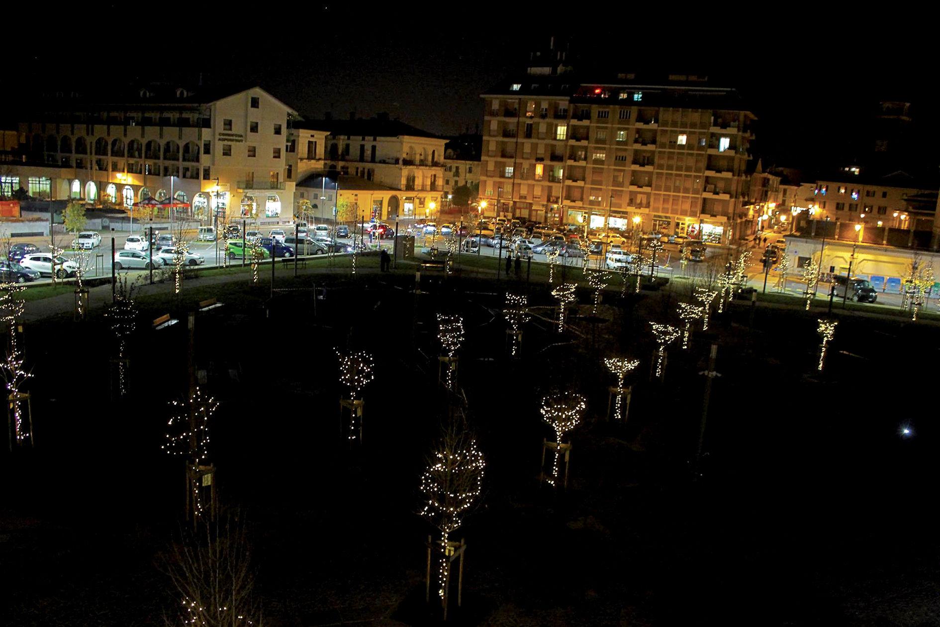 La Guida - Si cercano 130 volontari per accendere  le luci in piazza Foro Boario