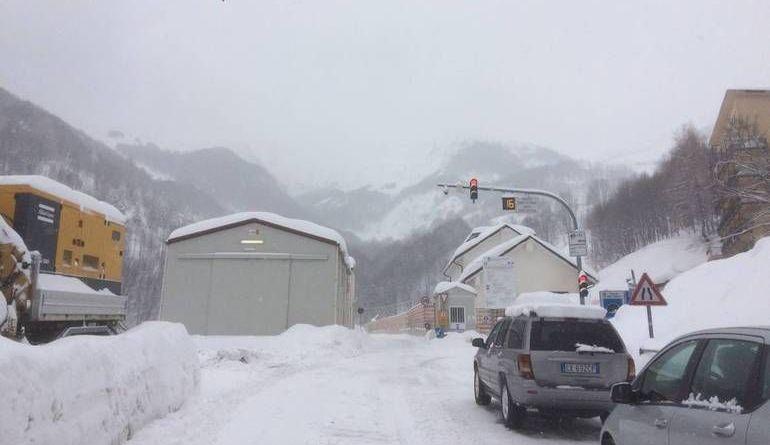 La Guida - Tenda chiuso, prima per neve e ora per assenza di energia elettrica