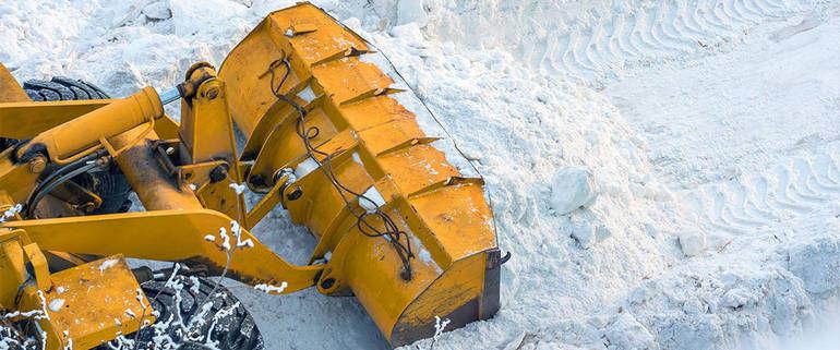 La Guida - Cuneo, sgombero neve sulle aree mercatali