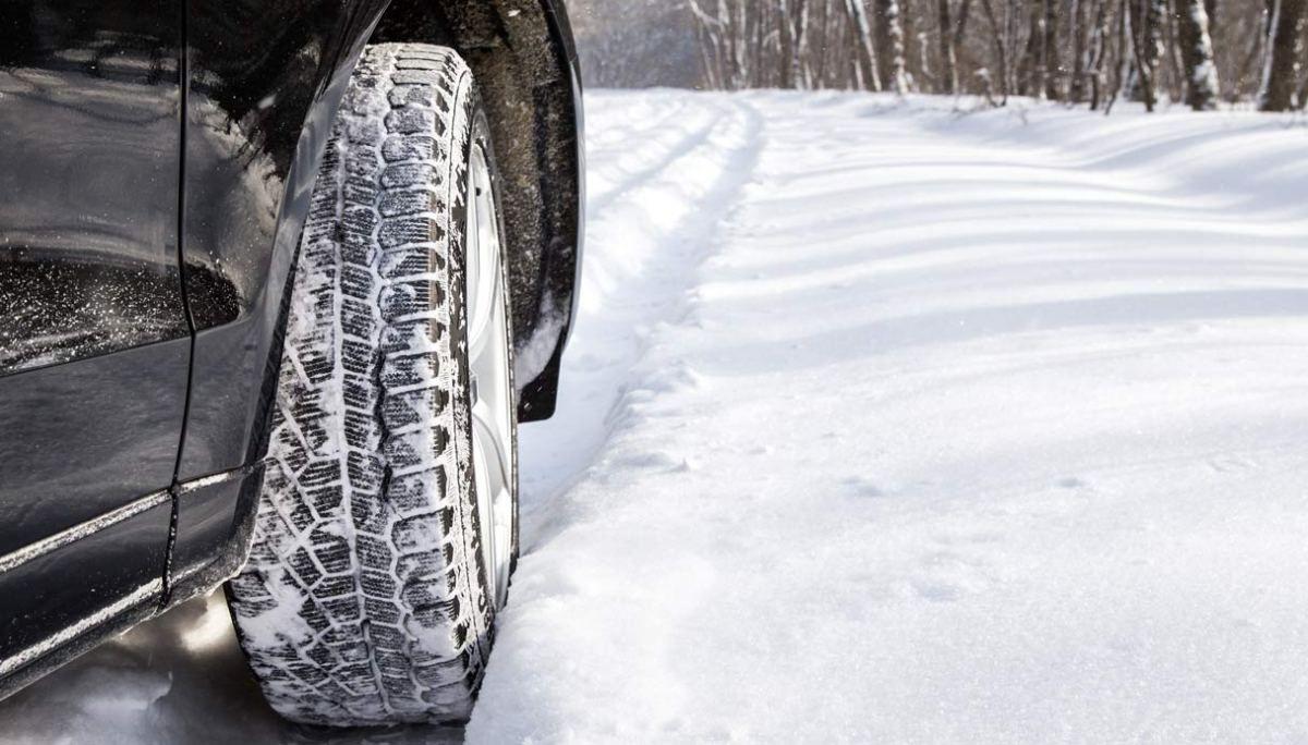 La Guida - Scatta l'obbligo dei pneumatici invernali
