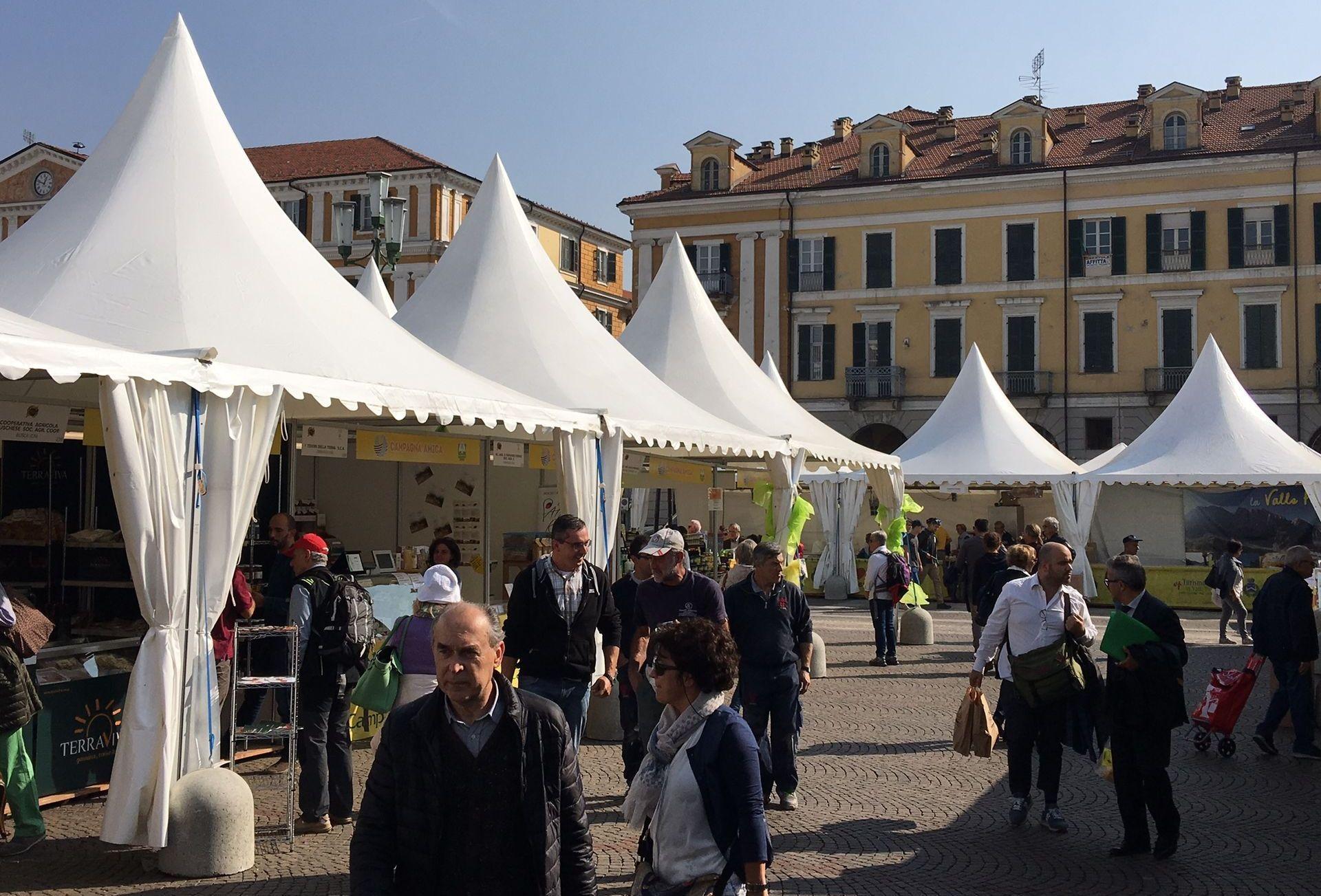 La Guida - Cuneo, oltre 300.000 persone alla Fiera del marrone
