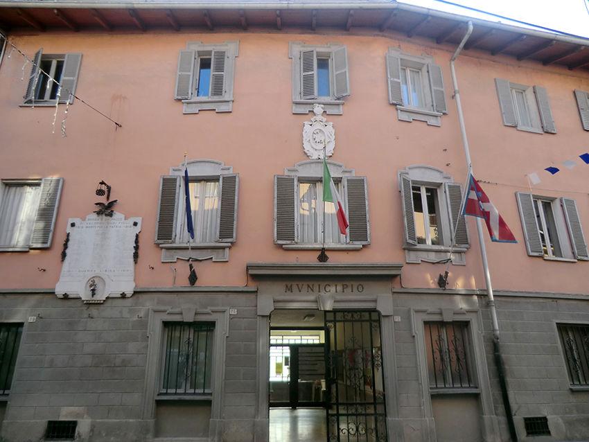 La Guida - Borgo San Dalmazzo, blitz della Finanza in municipio