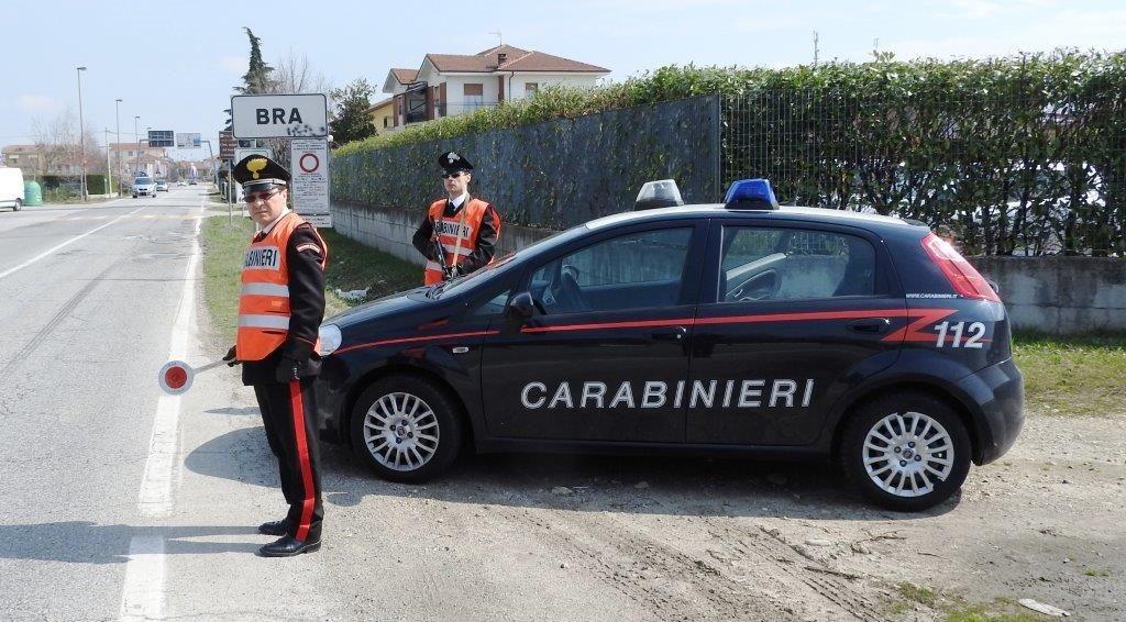 La Guida - Imprenditore braidese si dà fuoco, salvato dai Carabinieri