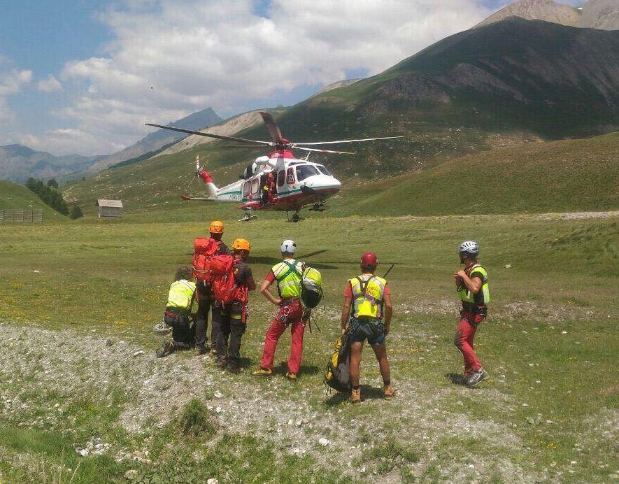 La Guida - Una donna alpinista cade in valle Gesso, recupero con l'elisoccorso