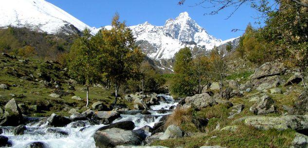"""La Guida - """"WhatsAlp"""", in cammino sulle Alpi da Vienna a Nizza"""