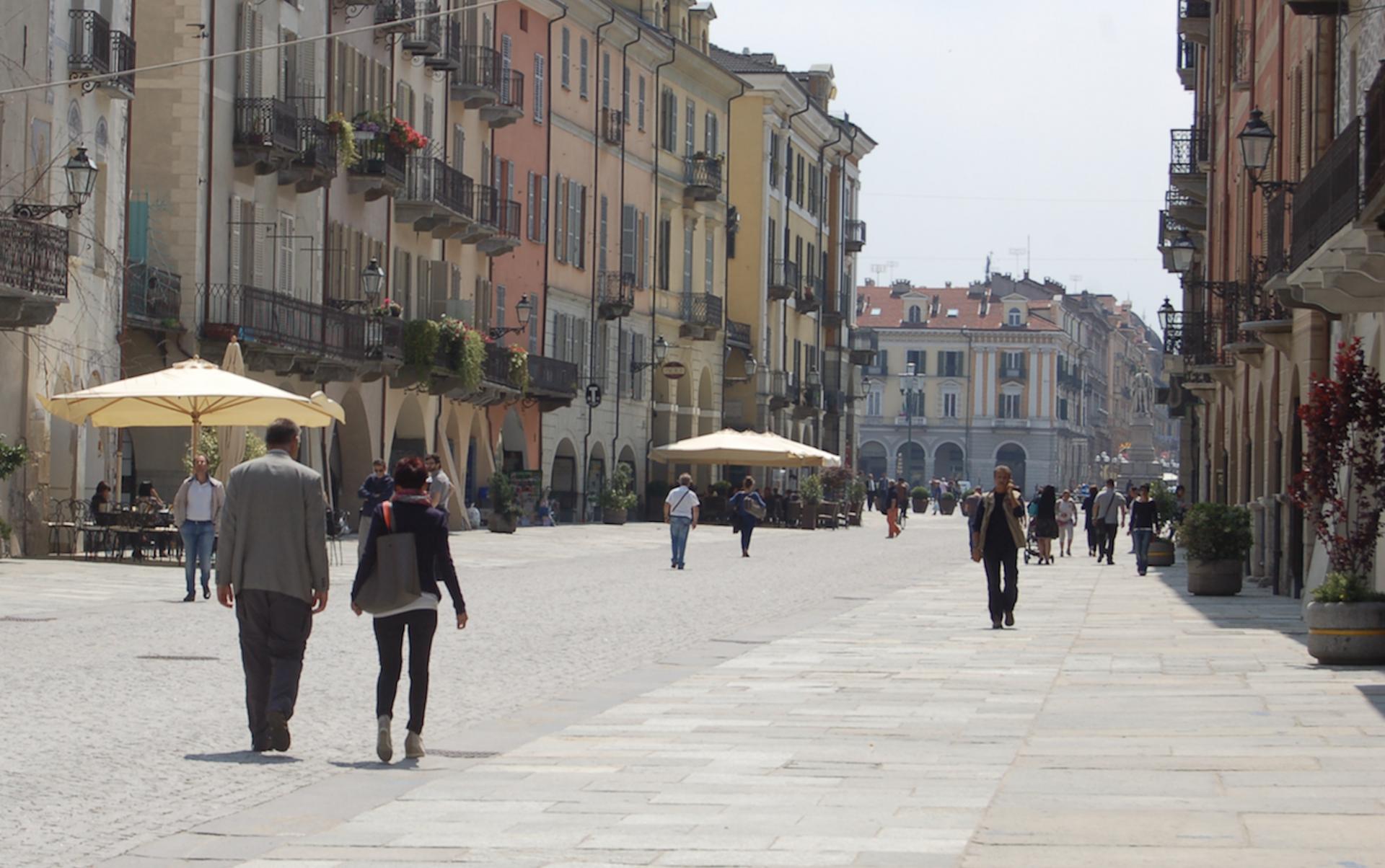 La Guida - Nuove misure di sicurezza per i pedoni in via Roma