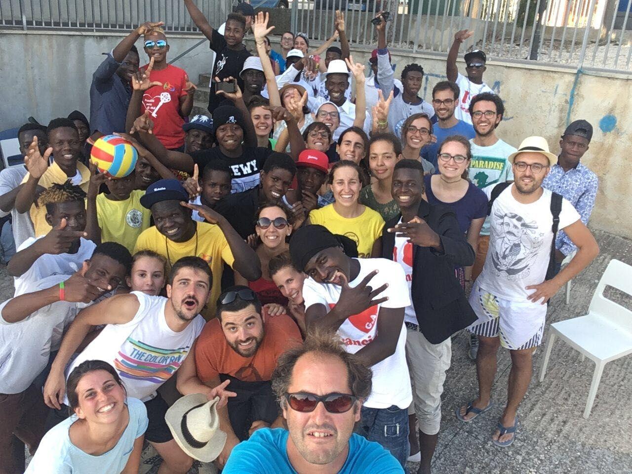 La Guida - Ventitrè giovani cuneesi in Sicilia sui luoghi degli sbarchi