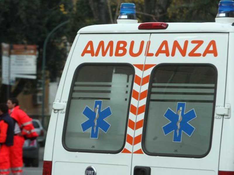 La Guida - Auto fuori strada nel fossanese, muore 22enne