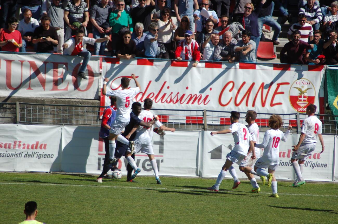 La Guida - Pullman di tifosi per Gavorrano-Cuneo