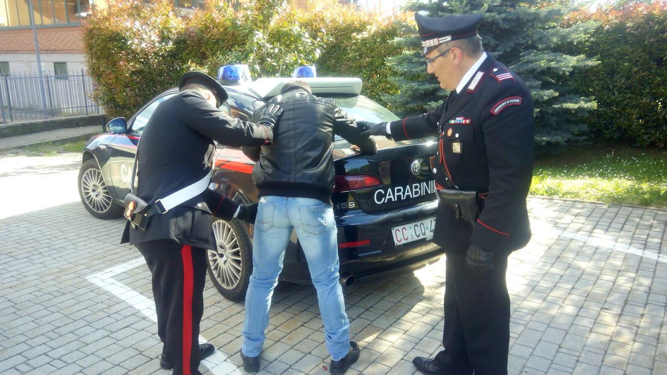La Guida - Suv rubato durante l'appuntamento per la vendita, arrestato