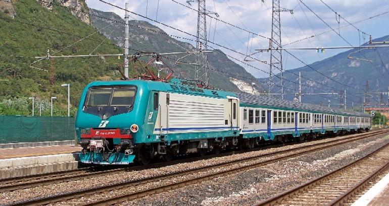 La Guida - 1.250 firme per il treno Cuneo-Torino