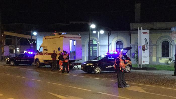 La Guida - Aggredisce cinque persone in stazione e scappa, preso