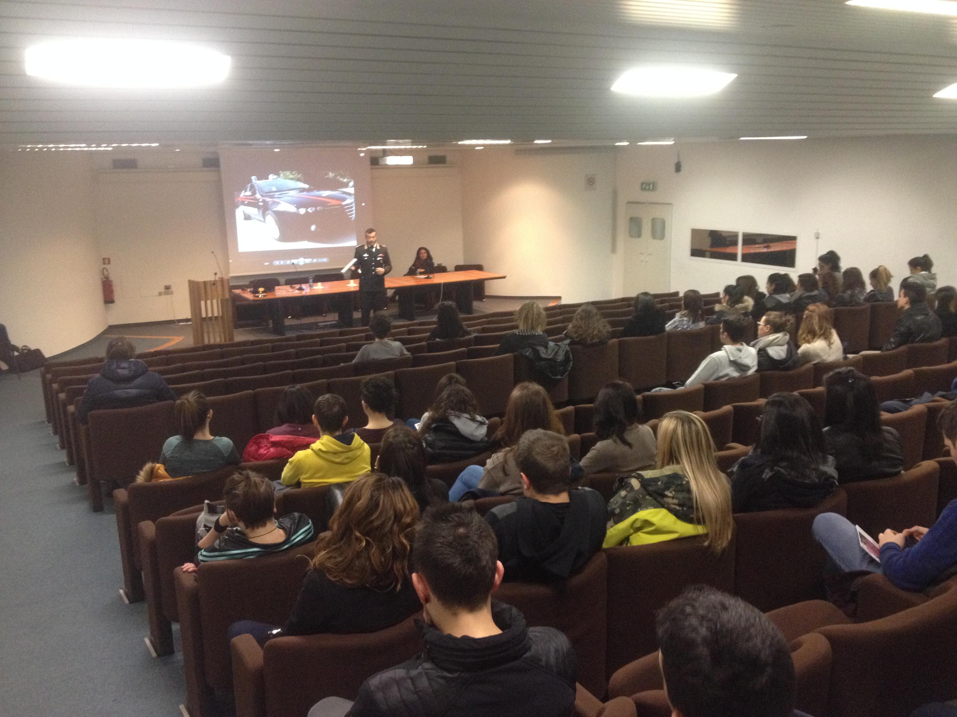La Guida - I carabinieri hanno incontrato gli studenti albesi prossimi al diploma