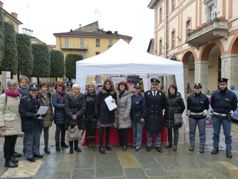 La Guida - Stand della Polizia e della Rete antiviolenza per la festa della donna