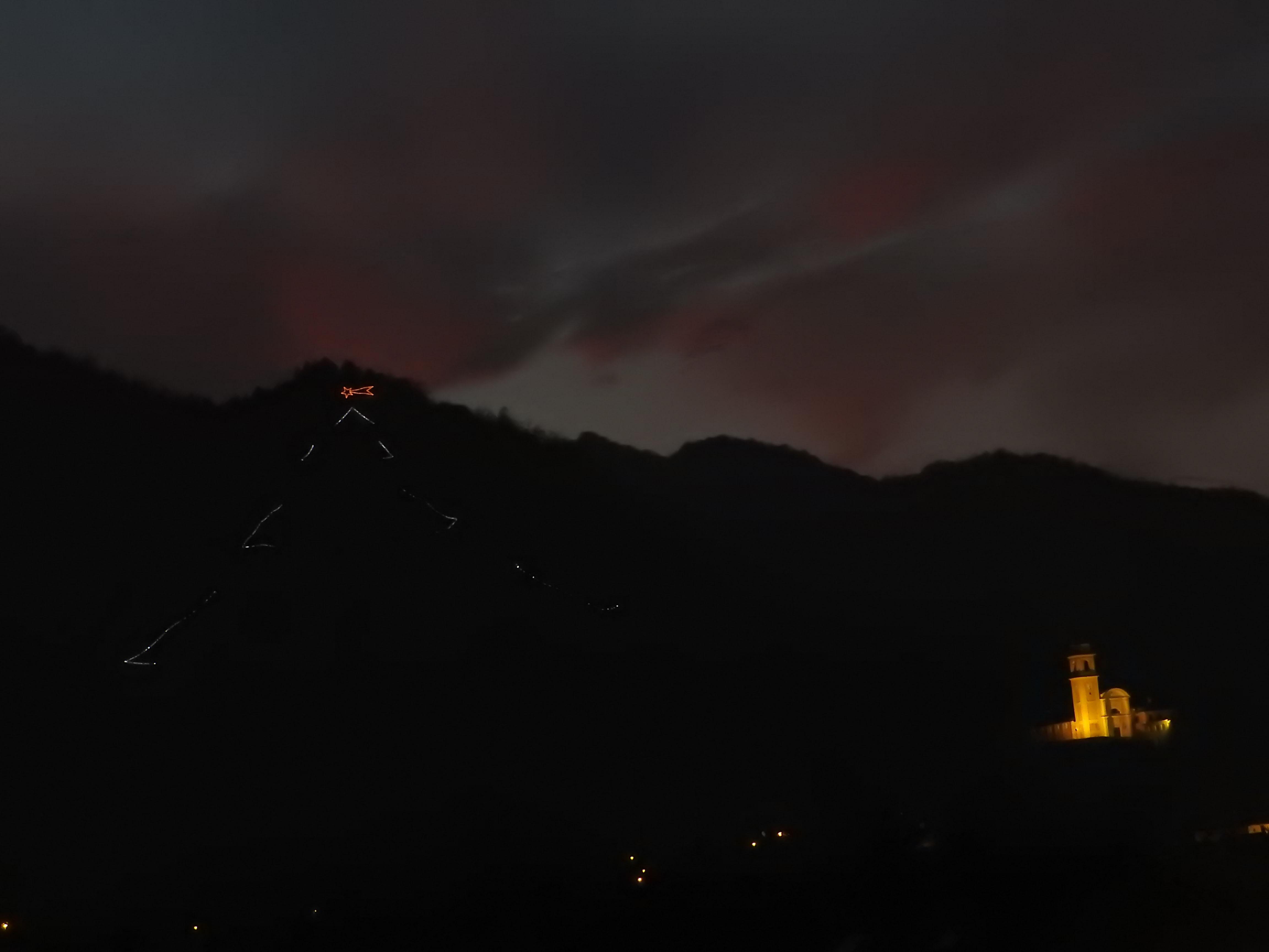 La Guida - Bernezzo, albero di Natale per illuminare la collina