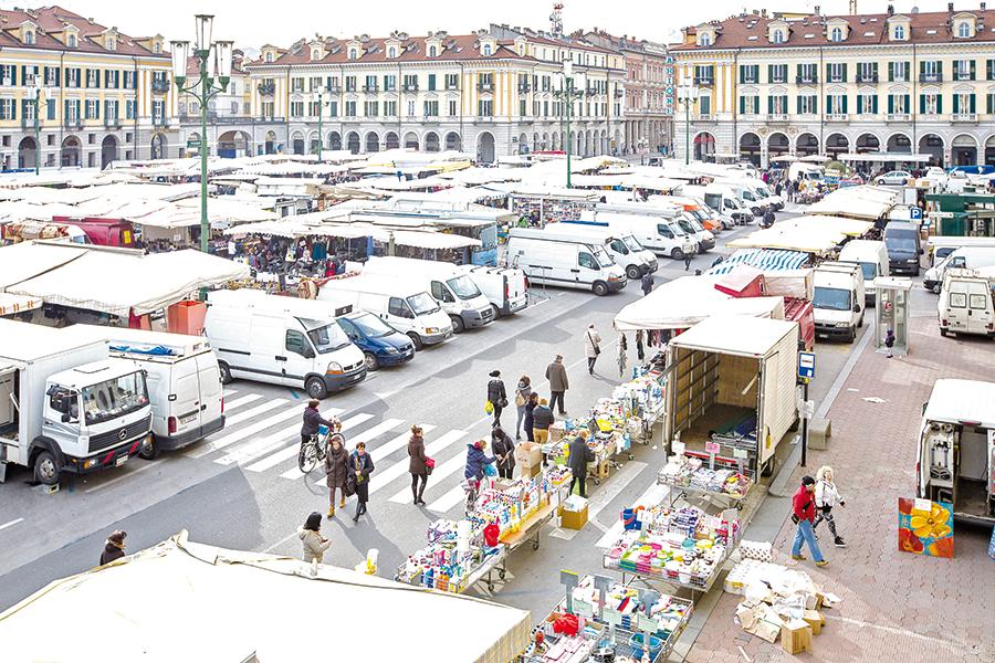 La Guida - Domenica c'è il mercato festivo straordinario