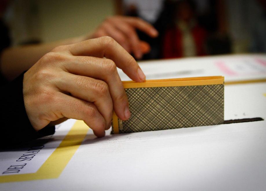La Guida - Le aperture dell'anagrafe per il rinnovo delle tessere elettorali