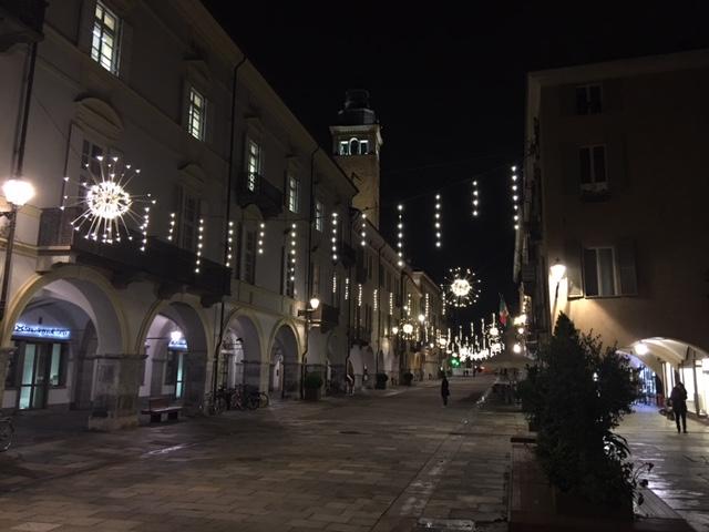 La Guida - L'atmosfera del Natale comincia a farsi sentire, tra luci e mercatini