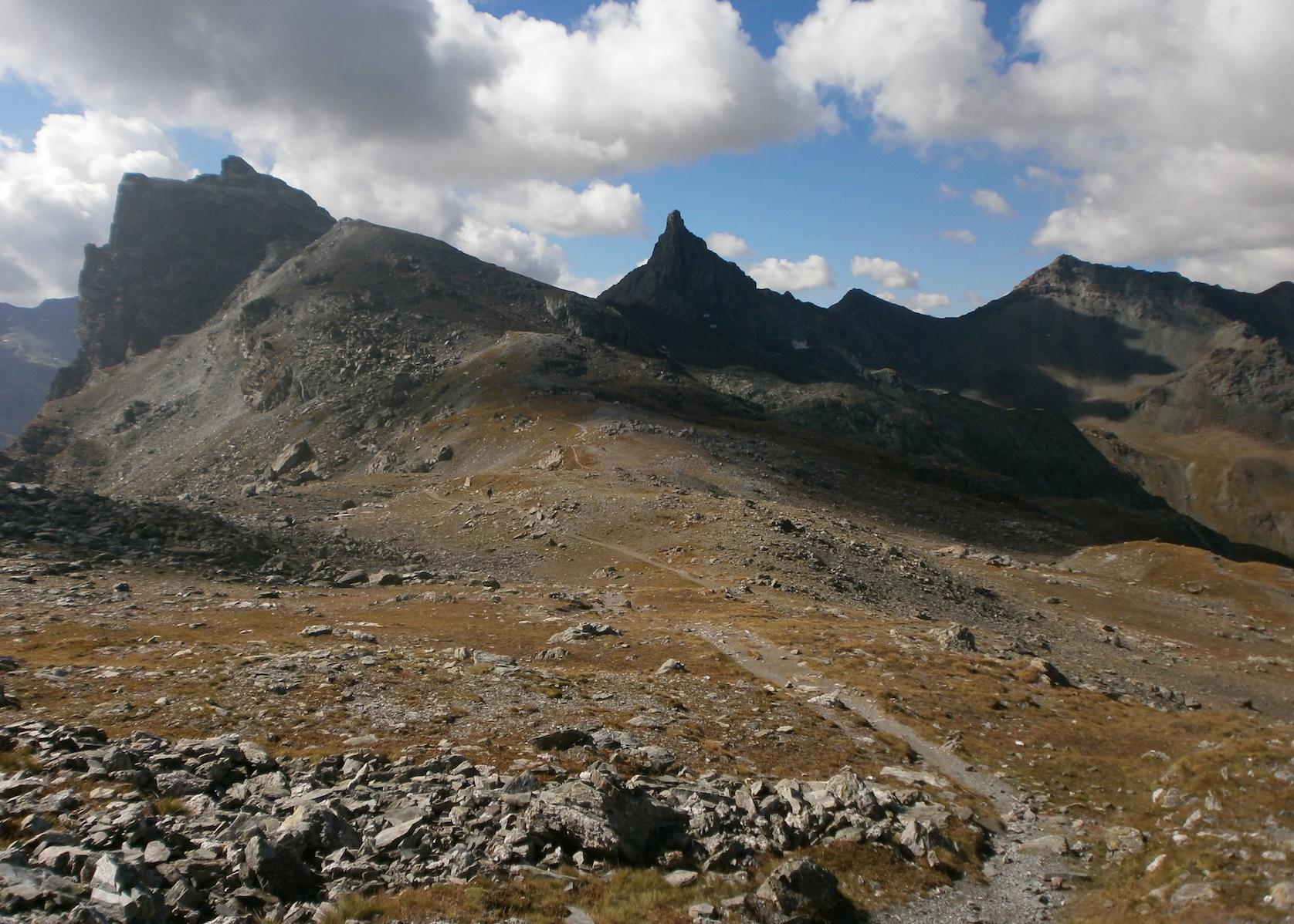 La Guida - Escursioni al Bric Costa Rossa, in valle Maira e in valle Varaita