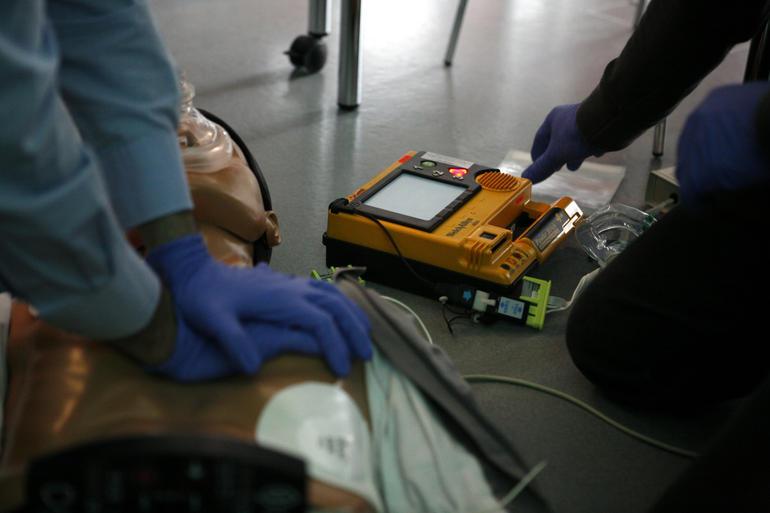 La Guida - Ulteriore slittamento per l'obbligo del defibrillatore