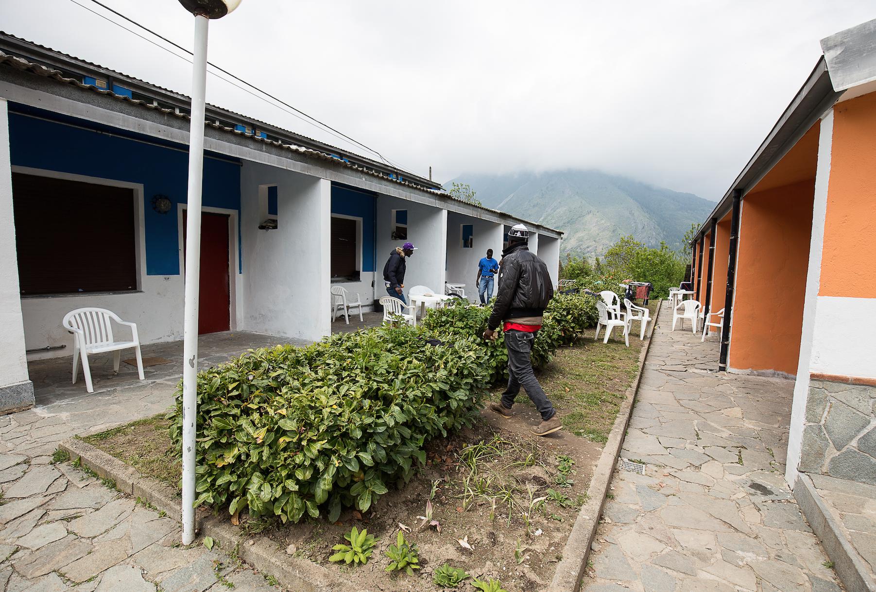 La Guida - Rifugiati: l'accoglienza in perenne emergenza