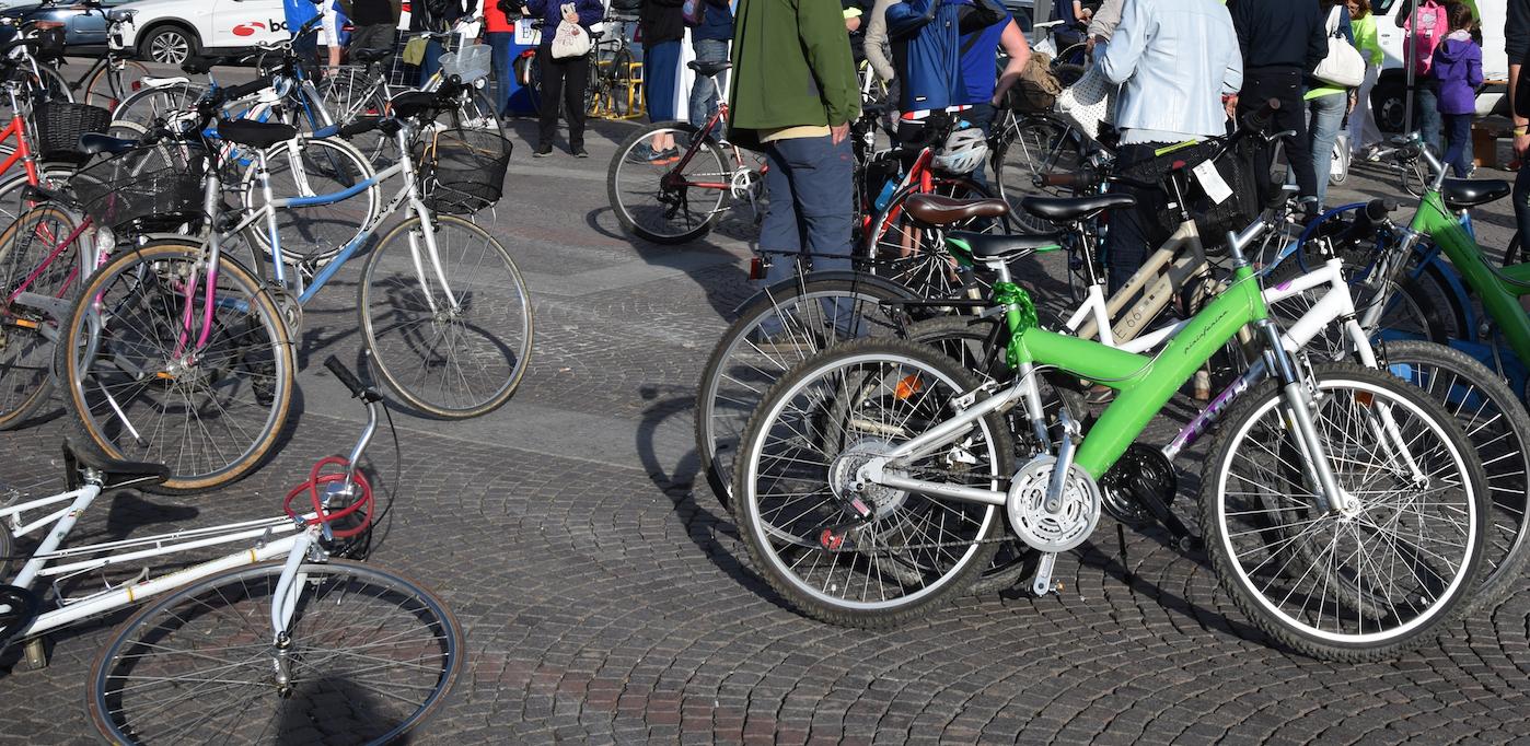 La Guida - Sabato 8 in bici di sera con la Cuneo Bike Night