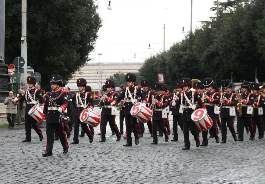La Guida - Fine settimana con i Granatieri di Sardegna