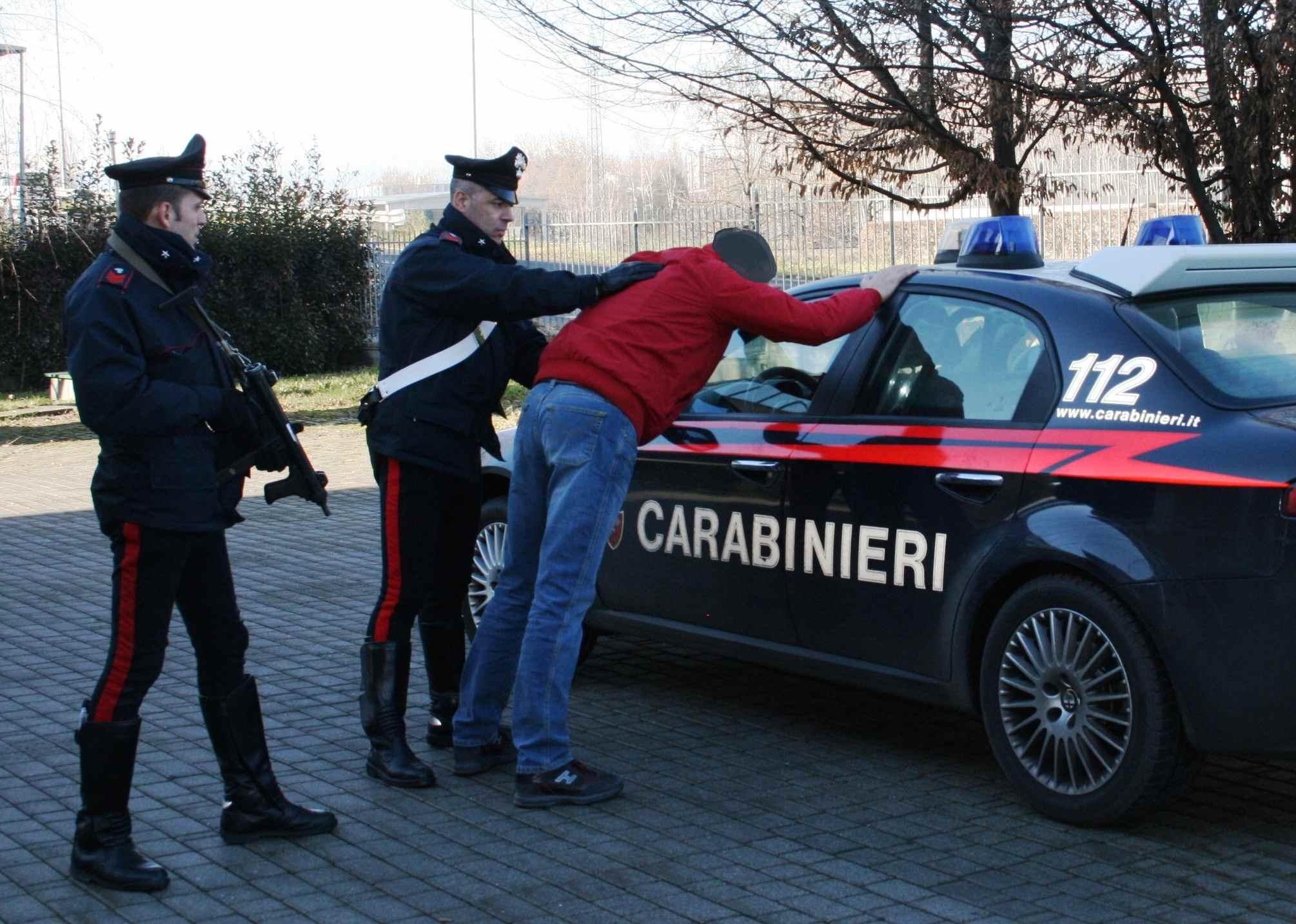 La Guida - Dieci pregiudicati arrestati dai Carabinieri per vari reati