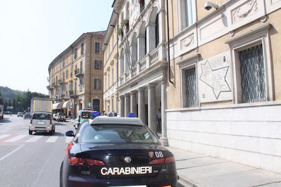 La Guida - Aggredisce i Carabinieri che lo controllano, arrestato