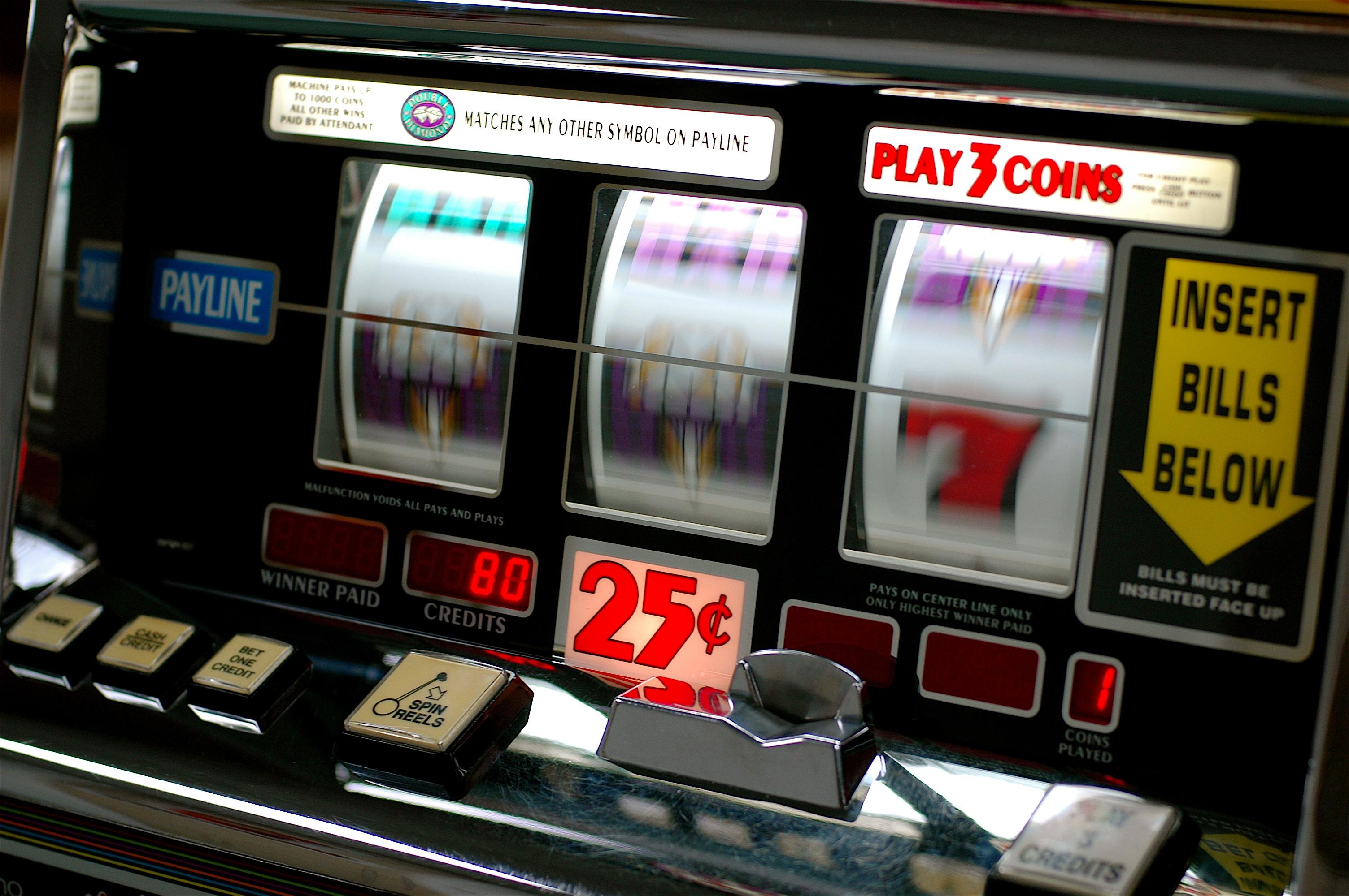 La Guida - Cuneo, firmata ordinanza per limitare l'orario di utilizzo delle slot