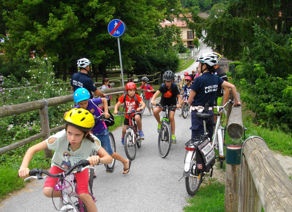 La Guida - Cuneo, Polizia locale in bici al Parco fluviale