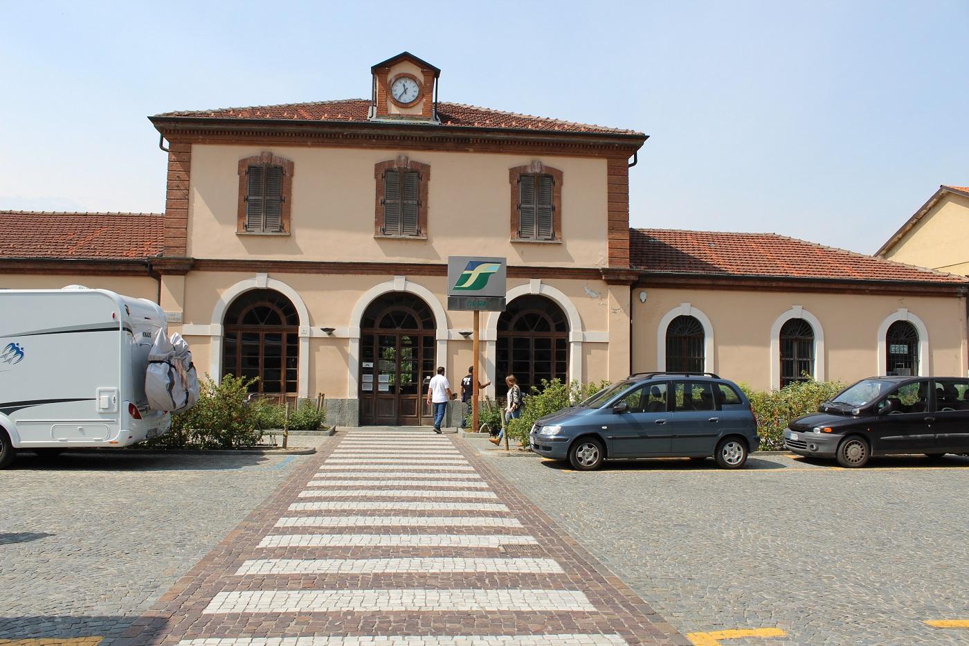 La Guida - Cuneo e Alba treni a velocità opposta