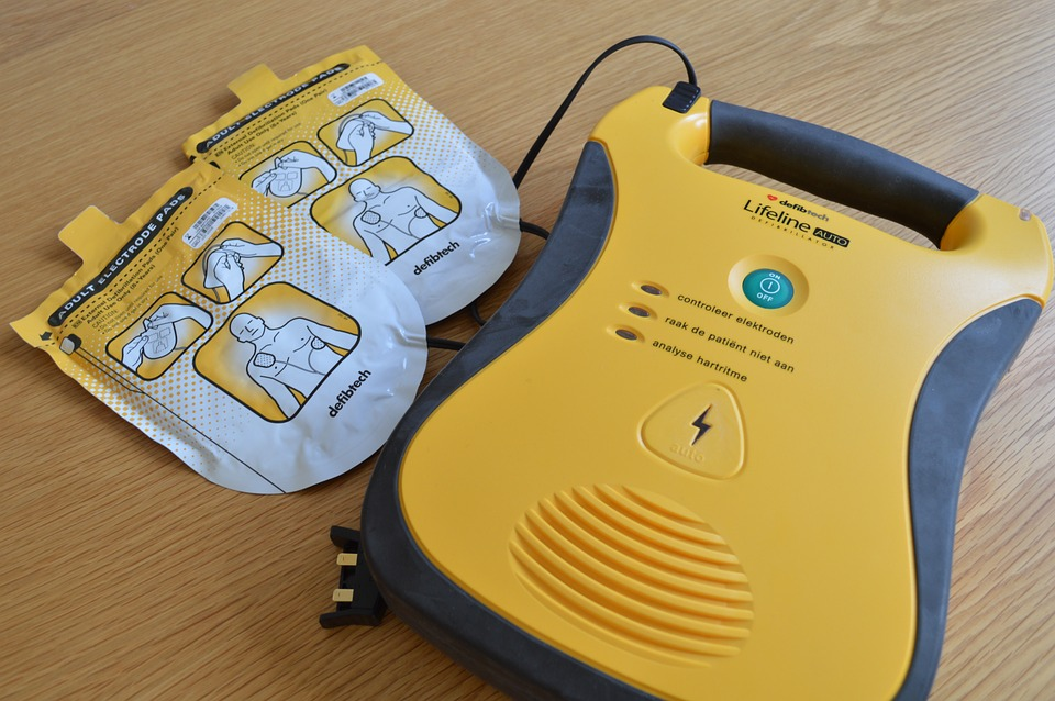 La Guida - Defibrillatore, patentini scaduti: a Centallo viene organizzato un corso