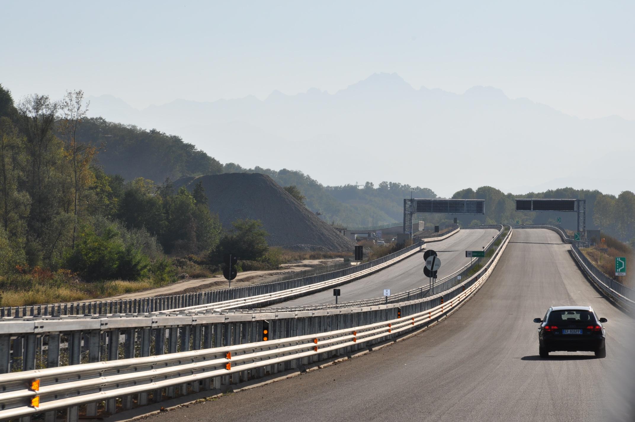 La Guida - Incidente sulla Torino-Savona, motociclista è grave