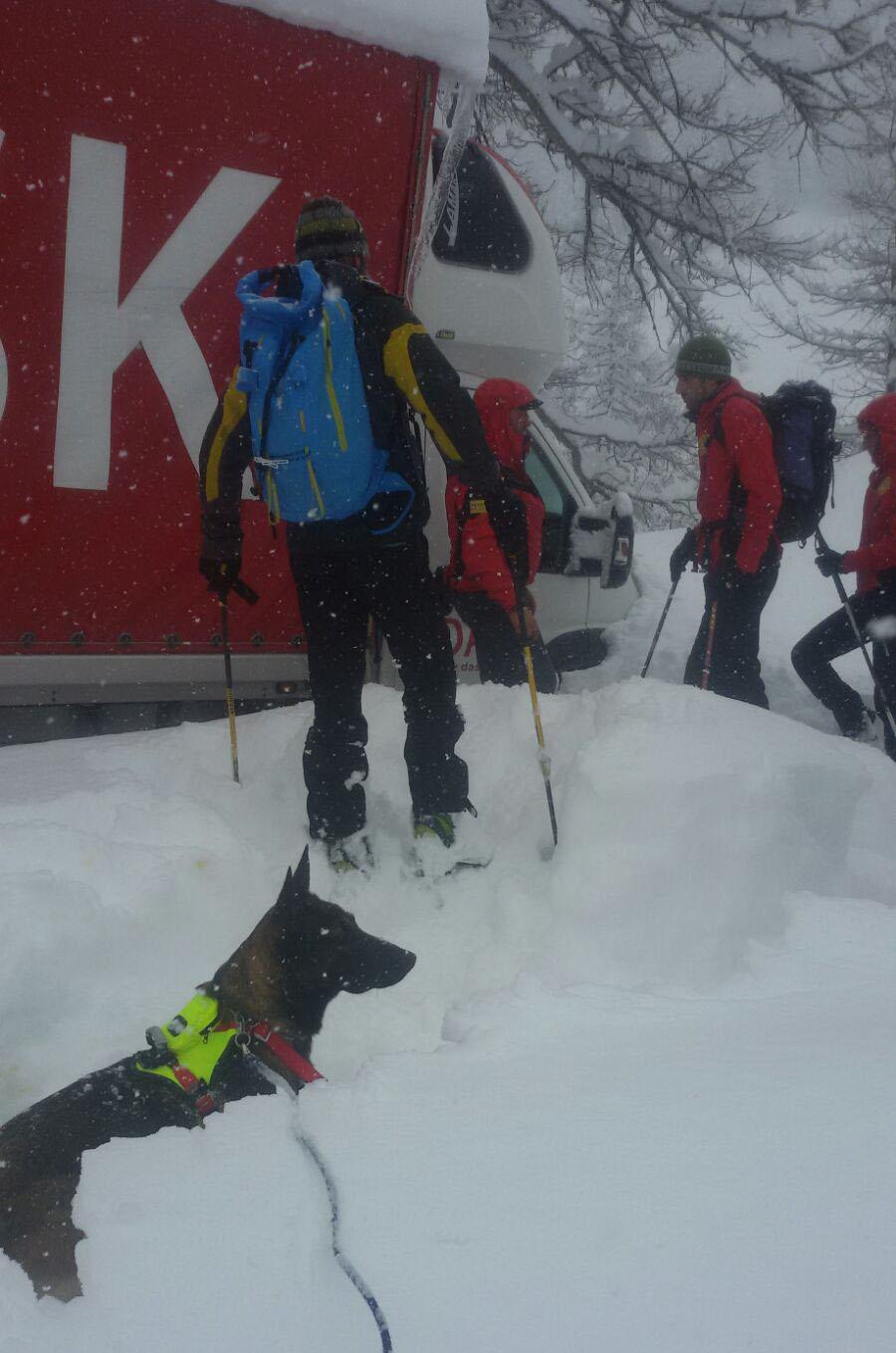La Guida - Colle dell'Agnello, salvato nella neve