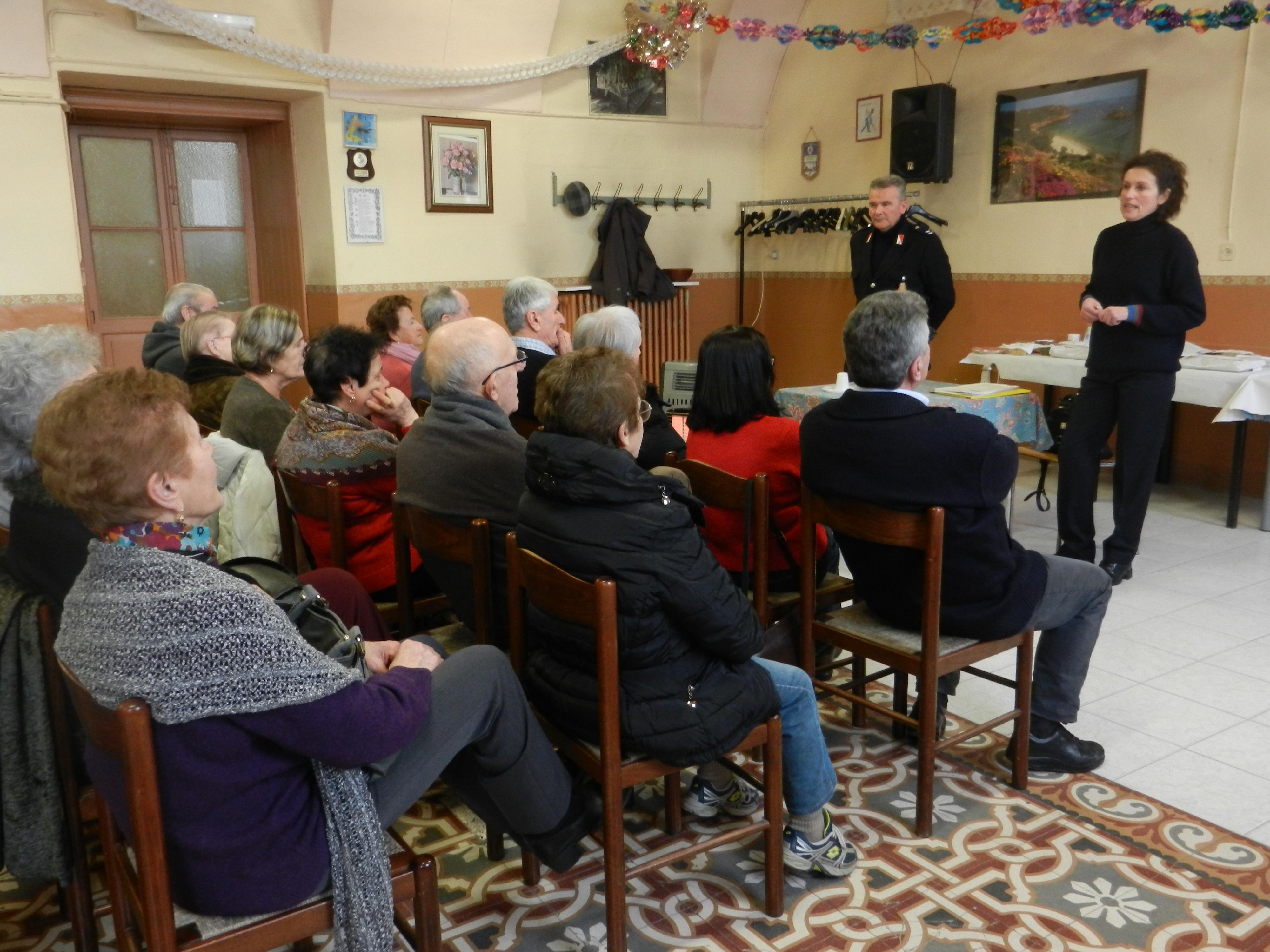 La Guida - Anziani e truffe, le forze dell'ordine nei centri d'incontro