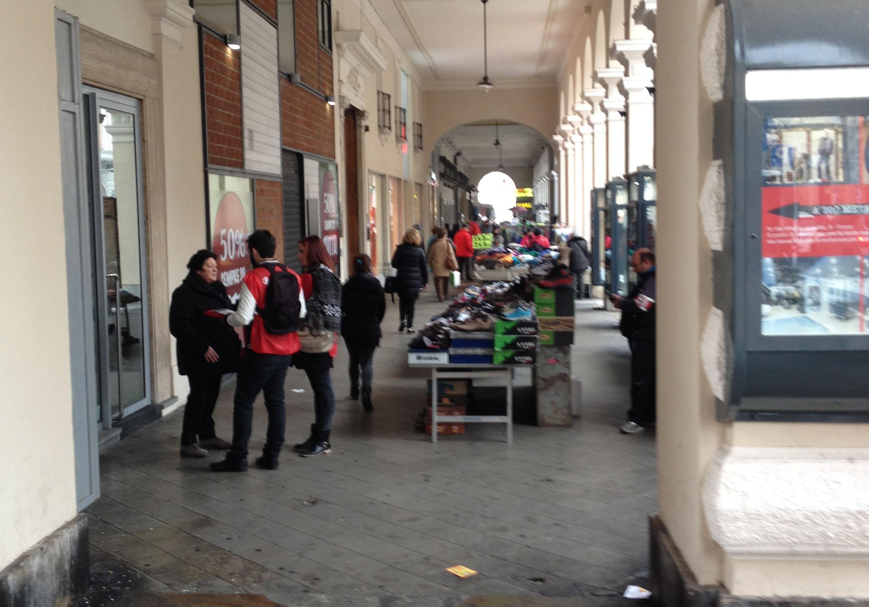 La Guida - Il mercato finisce sotto i portici