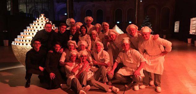 La Guida - Studenti e professori dell'alberghiero alla festa di Natale della Juve