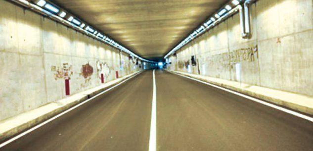La Guida - È di Cuneo la 29enne motociclista morta nella galleria dell'Est-Ovest