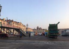La Guida - In piazza Galimberti sono arrivate le giostre