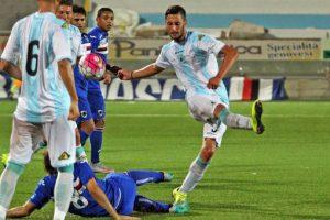 Valerio Zigrossi in azione con la maglia dell'Entella