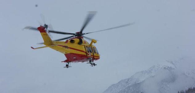 La Guida - Travolti dalla neve in quota, illesi cinque scialpinisti