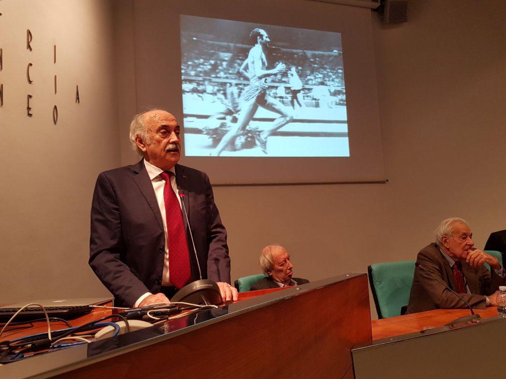 Franco Arese presenta il suo libro nella sala Falco della provincia