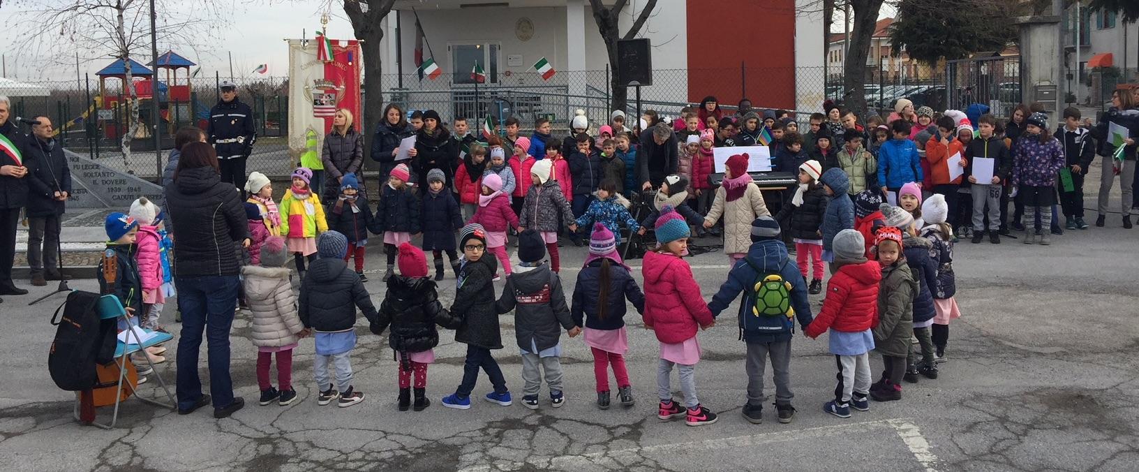 Candelora, i bambini della scuola di San Benigno alla commemorazione.