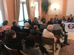 Il pubblico della presentazione dei candidati di Noi con l'Italia al Lovera Palace di Cuneo