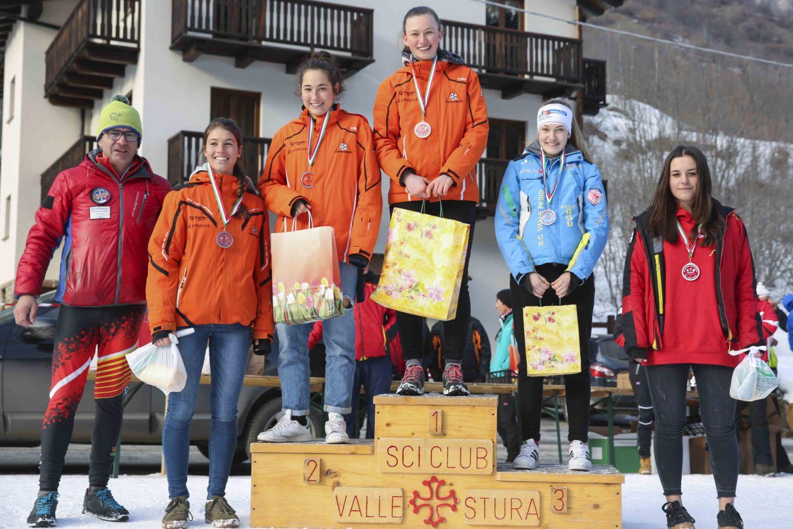 Il podio delle Allieve del trofeo Valle Stura