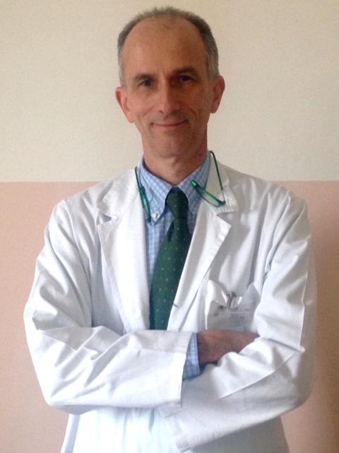 Il dottor Luca Besso con il camice