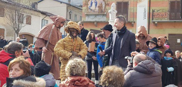 La Guida - Valdieri, in tanti per il Carnevale alpino con l'orso di segale